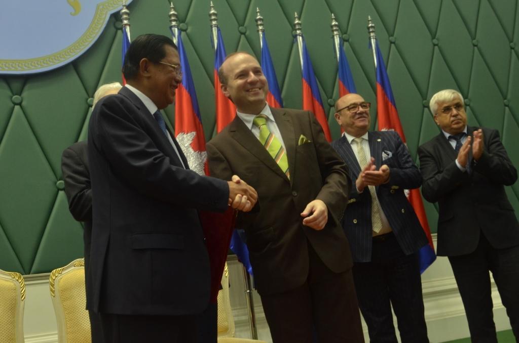 World Tourism Institution President-Professor Dr. Anton Caragea and Prime Minister of Cambodia-Dr. HUN SEN