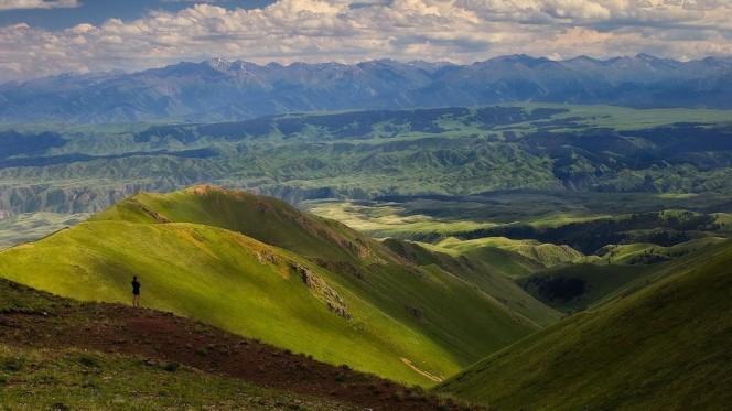 DR. ANTON CARAGEA, GLOBAL TOURISM INSTITUTION HEAD RECEIVES KAZAKHSTAN PM ASKAR MAMIN TOURISM MASTERPLAN